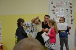 2019-05-09 - Biedronki, Pszczółki, Motylki - Wizyta strażaka pana Marcina