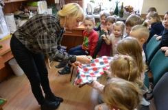2020-02-17 - Biedronki - Wizyta w pracowni krawieckiej w Środowiskowym Domu Samopomocy