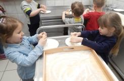 2020-02-28 - Biedronki - Pieczemy pączki